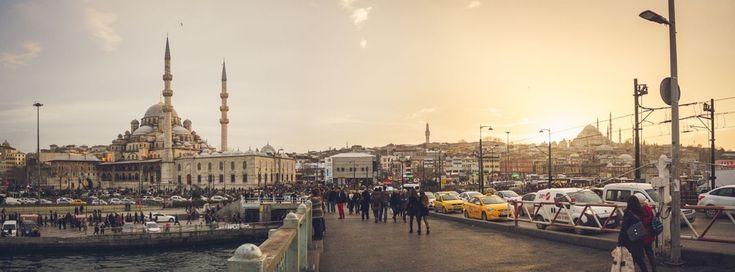 Шоп-тур в Стамбул: цены и варианты шоппинг-туров / Товары в Турции, как известно, стоят значительно дешевле, чем в России. Многие туристы, отправляясь за покупками, рассчитывают именно на экономию. Это в первую очередь, а затем, конечно, на возможность более[...]