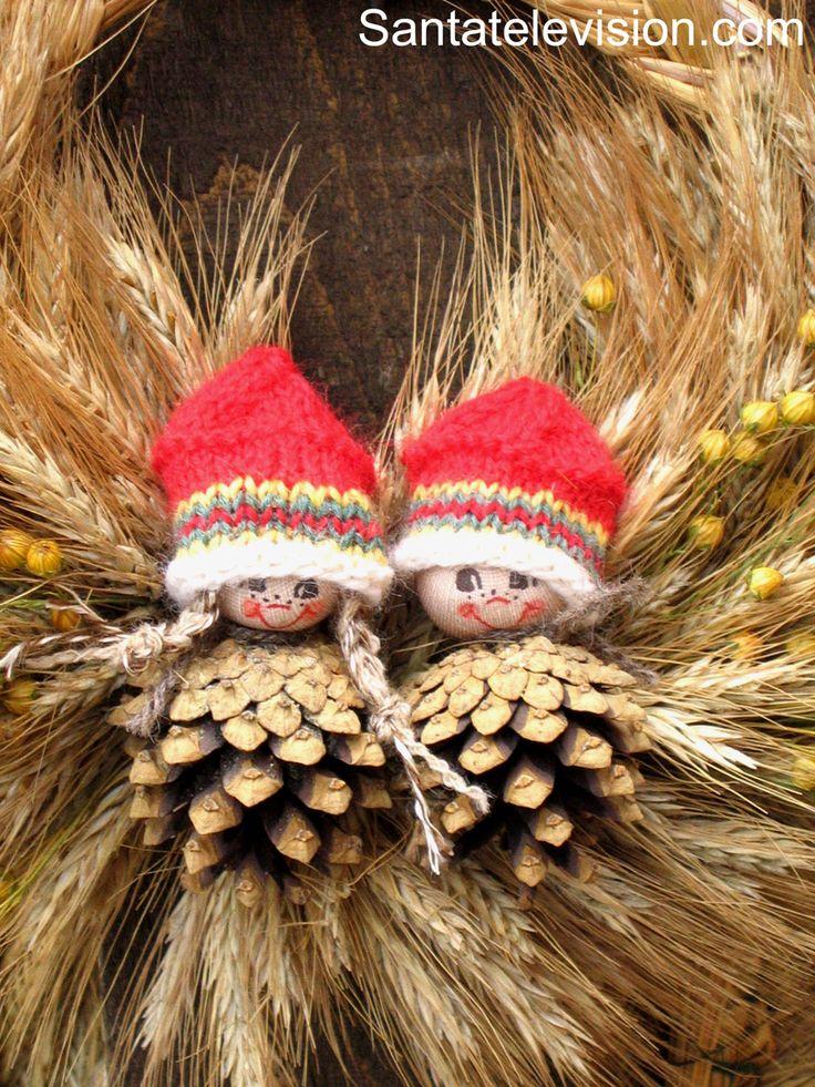 Décorations de Noël finlandaises traditionnelles au vieux marché de Noël de Turku