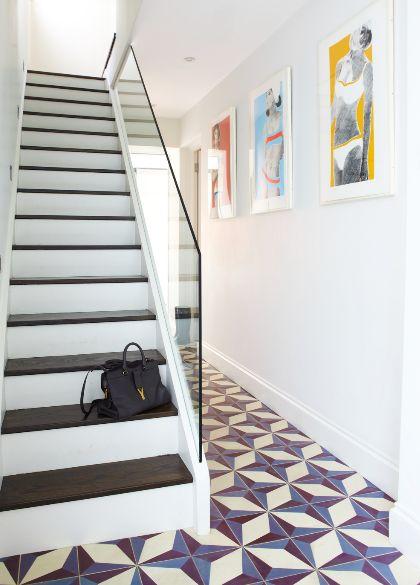 Hallway | Tiled floor | Glass banister | Monochrome staircase | Modern | Livingetc