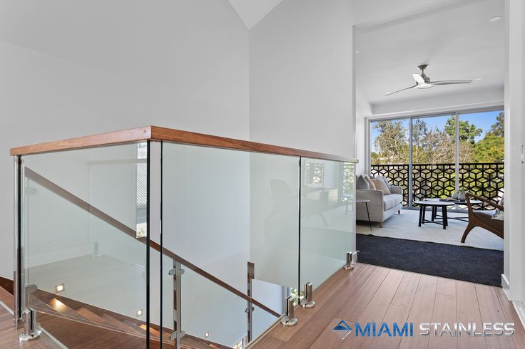 Glass staircase and void balustrade