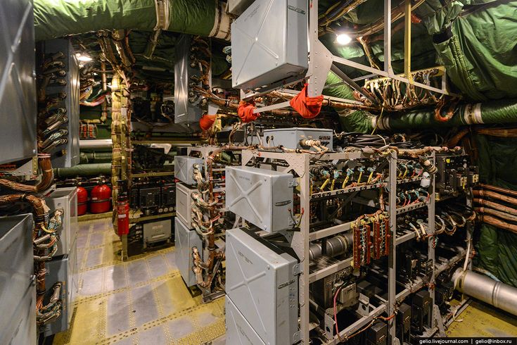 The avionics bay of this giant aircraft an 225 features for Interieur 747 cargo