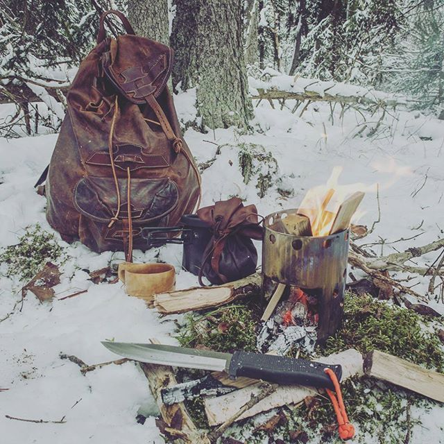 Bushcraft Survival Skills: Pin By Ronnie Moncrief On BUSHCRAFT
