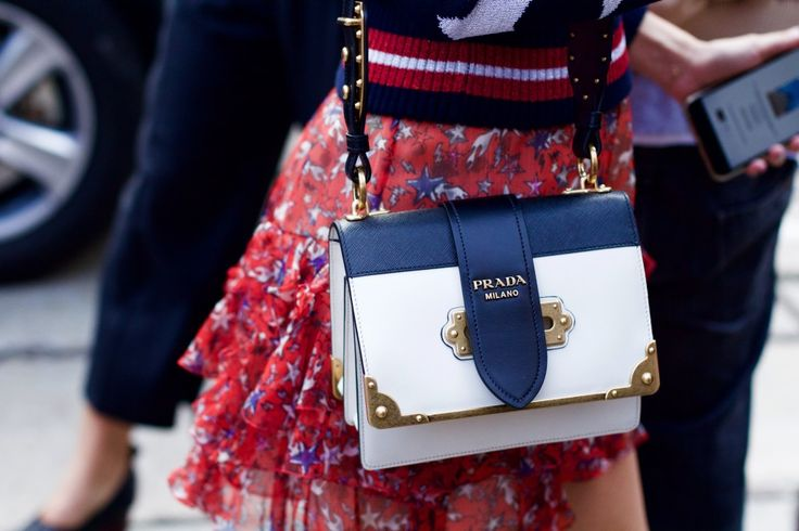 mfg_milano_shopping_prada_it_bag_cahier-2