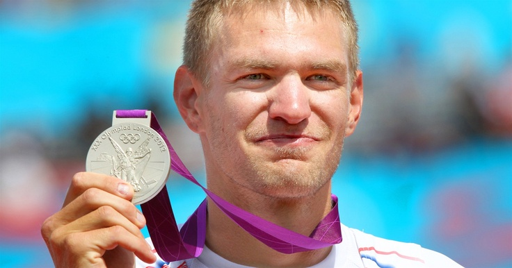 ZLATNÍK SE STŘÍBREM. Ondřej Synek je vyučený zlatník, nejen proto si přál vybojovat v Londýně nejcennější kov. Radost mu ale udělala i stříbrná medaile.