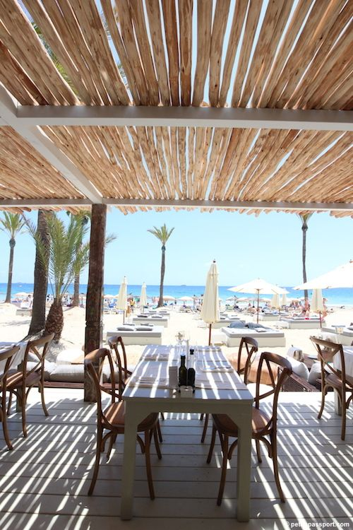 Beach House --- Playa d'en Bossa --- This new stunning beach house from the same owners as El Chiringuito looks amazing. Although it's in the Playa d'en Bossa bay (not my favorite), I really want to try and test it!