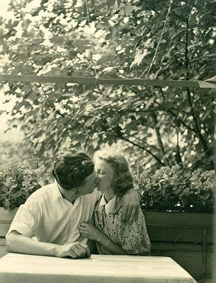 A vintage kiss which soon led to vintage babies - and thousands of vintage baby photos.