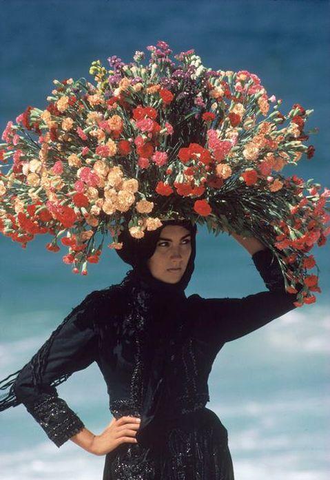 Barbey, Bruno - Woman Flower Seller- Beach- Nazaré, Portugal, 1985