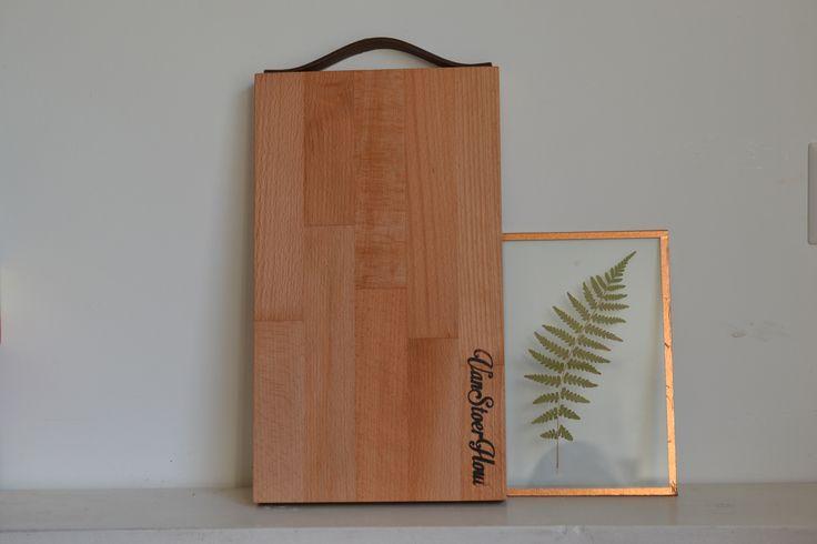 Broodplank met leren handvat | glazen lijstje met varen | VanStoerHout