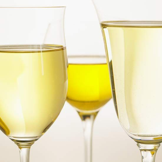 Can't decide whether to serve Chardonnay or Riesling? We make entertaining a crowd easy with our guide to the five most common types of white wine, the foods and cheese they pair well with -- plus helpful tips on how to properly store and serve white wine! http://www.bhg.com/recipes/drinks/wine-cocktails/our-complete-guide-to-white-wine/?socsrc=bhgpin122614guidetowhitewine&page=1