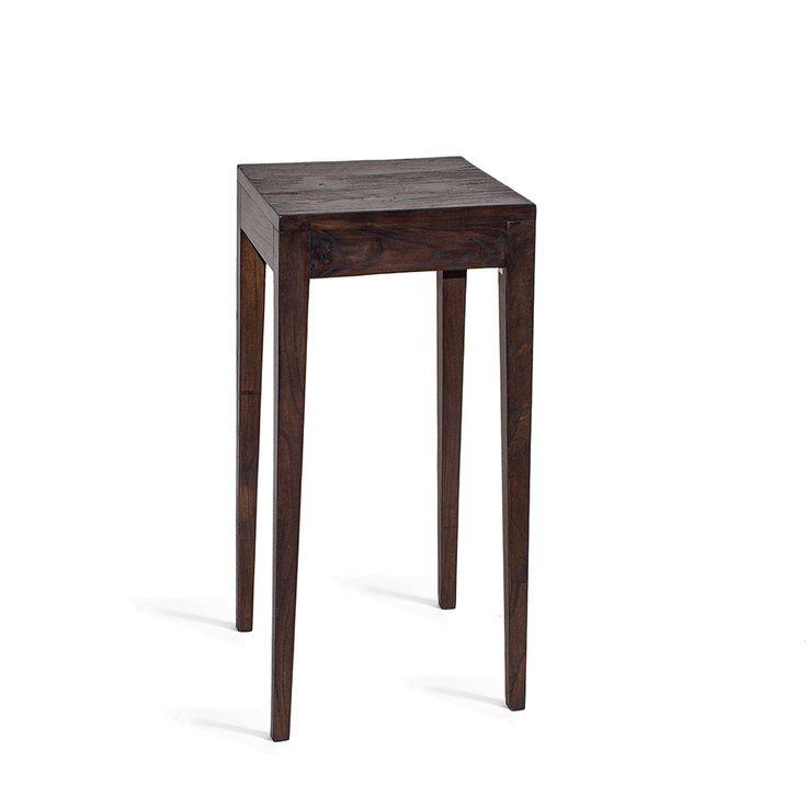 Универсальный и изящный консольный стол из массива дерева тика.             Материал: Дерево.              Бренд: Teak House.              Стили: Лофт, Скандинавский и минимализм.              Цвета: Темно-коричневый.