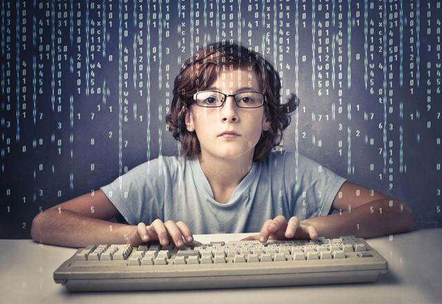Bilgisayar Bilimi dersi zorunlu olmalı mı kodlama dersi zorunlu oldu mu