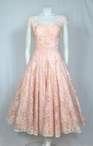 VTG-1950s-BLUSH-PINK-LACE-Prom-Party-Wedding-Dress-w-Sheer-SWEETHEART-Neck