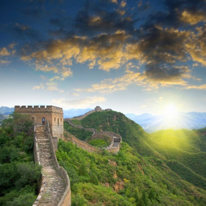 The largest and longest continuous structure of the Earth is visible from space. Now we are going to talk about an entirely interesting sensation, which probably you are not informed. And that's where exactlyis the endof theGreat Wall … If you had the opportunity to visit Peking, we are completely certain that you visited the