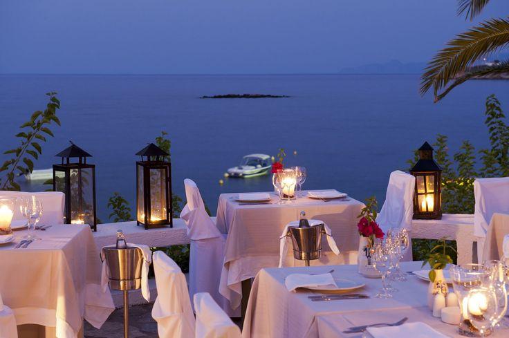 Romantic dinner under the stars for sweet honeymooners of Minos Palace!
