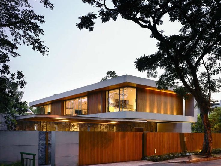 Architecture:Shocking Sparkling 65BTP House Design On Singapore Resident With Brown Wood Fence With Brown Wood Wall And Floor Lighting Make Golden Light With Glass Window And Yellow Light On Bedroom With Big Tree For Eco Friendly Design Outstanding Sparkling Singapore Residence: 65BTP-House