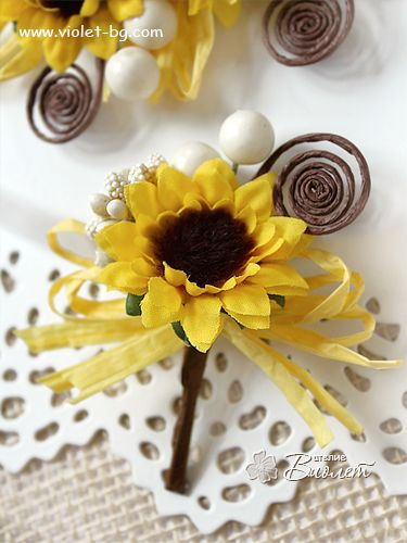Sunflower #wedding boutonniere, handmade rustic groom, groomsmen boutonnieres #sunflowers