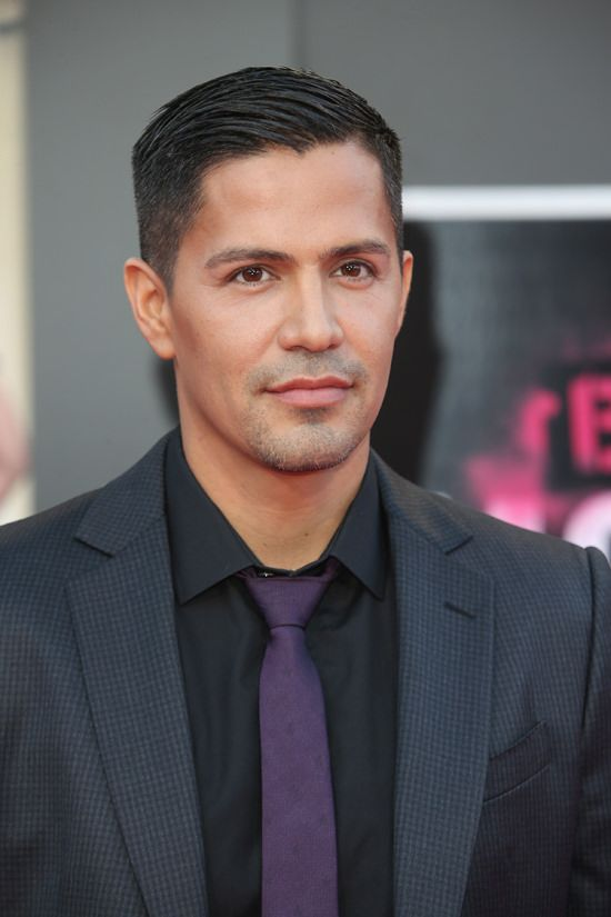 Jay-Hernandez-Bad-Moms-Los-Angeles-Movie-Premiere-Red-Carpet-Fashion-Tom-Lorenzo-Site (3)