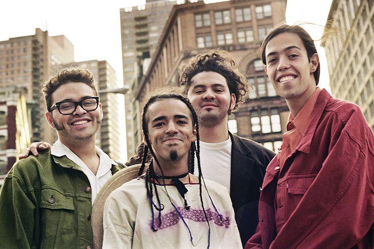 Rubén Albarrán: Mi vida en 20 canciones  Joselo Rangel, Rubén Albarrán, Enrique Rangel y Emmanuel del Real (desde la izquierda): Café Tacvba en Nueva York, 1992. Foto:Alejandra Palacios