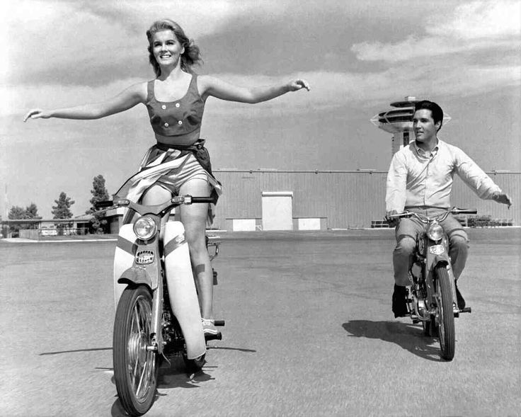 Ann Margret As Rusty Martin And Elvis Presley As Lucky