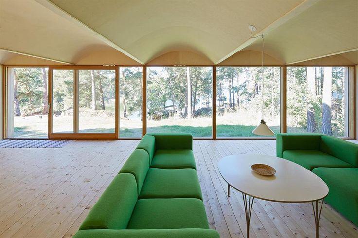 När Martin Videgård skulle bygga sommarstuga på tomten föräldrarna en gång köpt hade han svårt att bestämma sig för vad han skulle bygga.