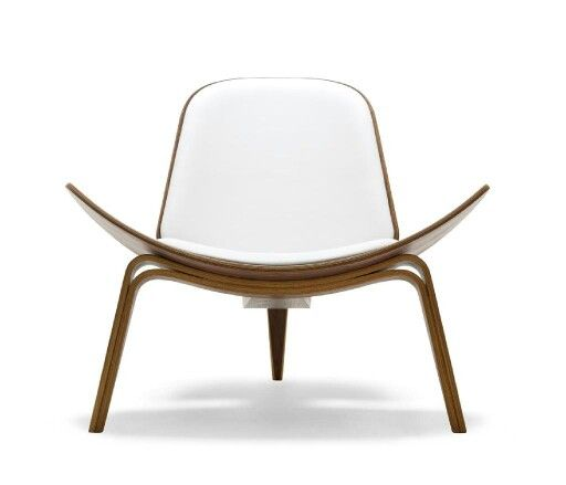 Three legs shell chair. Hans wegner