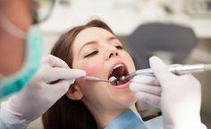 (Zentrum der Gesundheit) - Einer Zahnwurzelbehandlung geht meist eine Entzündung voraus, die bereits bis tief in die Zahnwurzeln vorgedrungen ist. Um eine Ausbreitung der Entzündung auf den Kiefer zu verhindern, wird eine Zahnwurzelbehandlung vorgenommen. Für die meisten Zahnärzte scheint dies die einzig richtige therapeutische Massnahme zu sein. Doch Vorsicht! Bei der Zahnwurzelbehandlung handelt es sich um einen äussert komplizierten Vorgang, der erhebliche gesundheitliche Risiken für den…