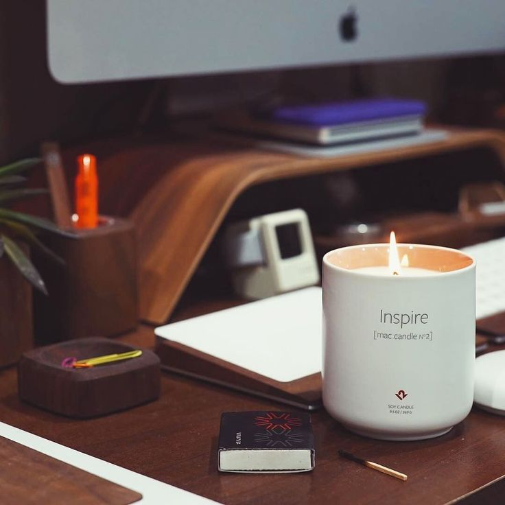 Feel inspired and creative with the Mac Candle No 2, perfect for a cosy and dull January evening 💡 #lifestylestore #lifestyle #mac #candle #inspire #creative #No2 #scent #clearyourmind #feelinspired #burn60-70h #bergamot #grapefruit #herbs #flowers https://goo.gl/UWGvfo