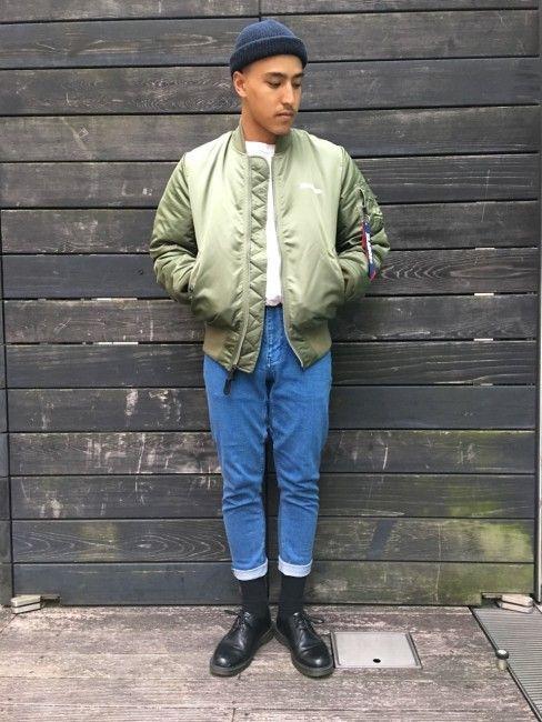 """""""ALPHA OG MA-1""""と""""NEW TAPERED PANT""""に足元をDR Martenで合わせインナーのタックイン、パンツの丈を調節し80年代のUKの若者風にまとめました。"""