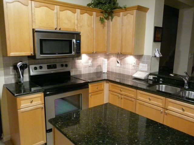 Uba Tuba Backsplash Ideas Part - 30: Cabinets And Counter Tops Will Look Something Like This, With The Glass Tile  Back Splash. By Allisonn