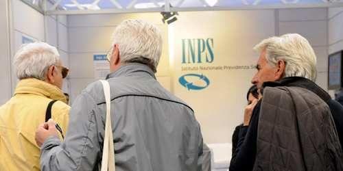 Spettacoli: #Pensioni #precoci: #Ape social e quota 41 cambiano ancora ultime notizie sui requisiti ridotti (link: http://ift.tt/2p8LzOF )