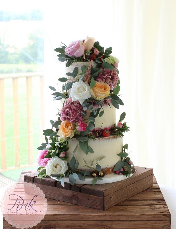 Semi Naked Wedding Cake with Fresh Flowers18 best Cakes   Fresh flowers images on Pinterest   Buttercream  . Fresh Flower Wedding Cakes. Home Design Ideas