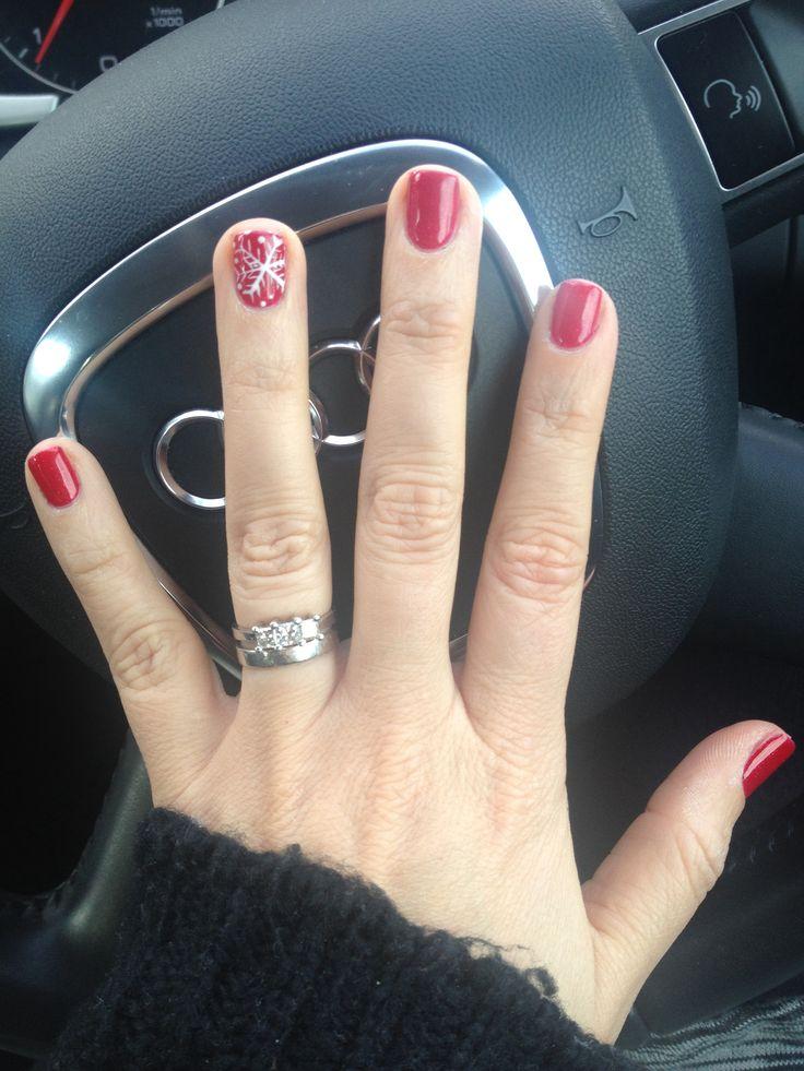 Red Xmas shellac nails!