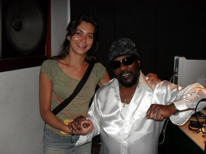 Michelle met Toots Hibbert (toots & The Maytals) in de studio in Kingston (Jamaica)