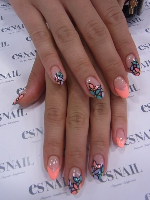 Prefect outlined floral nail design
