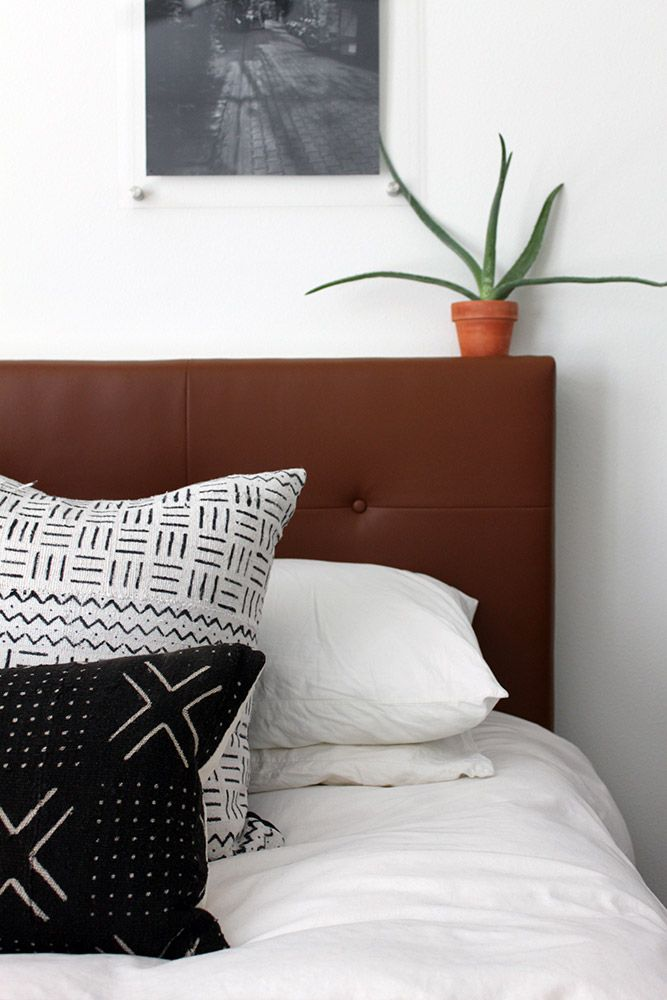 see the full diy to create your own west elm inspired leather tufted headboard over on - Aquarium Kopfteil Diy