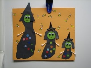 footprint witches #halloween kid craft. too cute!