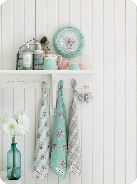 Love these shabby chic colors together