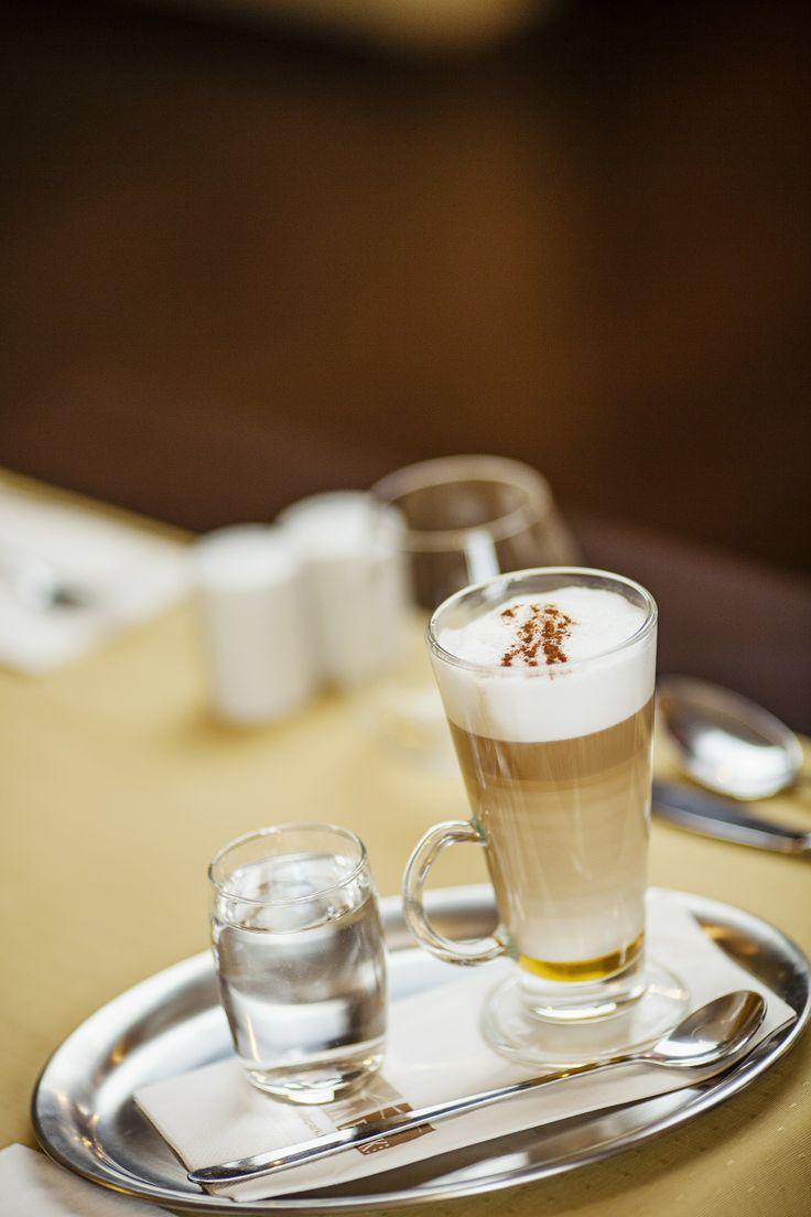 latte macchiato @Hotel_Lajta_Park Adress: 9200 Mosonmagyaróvár Vízpart utca 6 www.hotellajtapark.hu info@hotellajtapark.hu