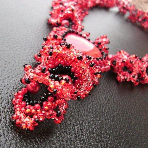"""""""Vášnivá kráska"""" (Necklace of beads sewn) od KatKyr"""