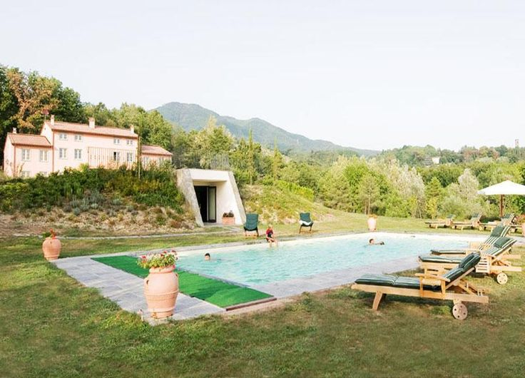 View of the villa and swimming pool