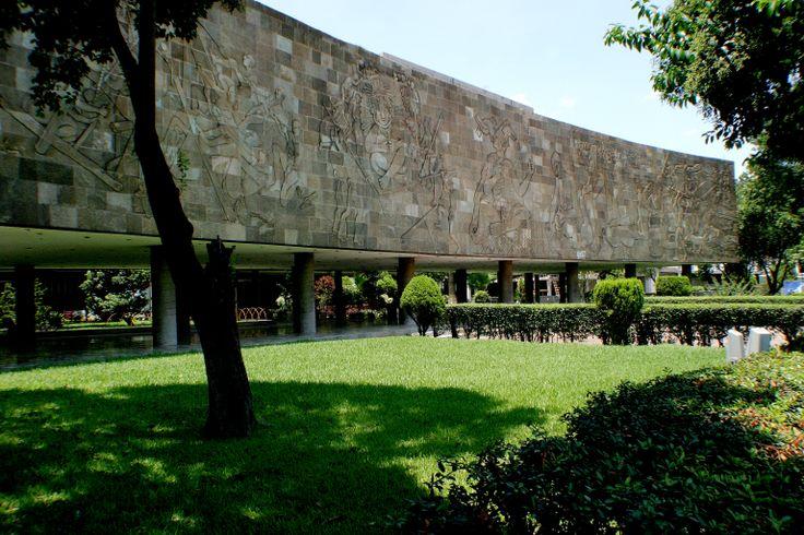 La Facultad de Ingeniería Civil está en el Campus Ciudad Universitaria en San Nicolás de los Garza, Nuevo León. La FIC ofrece la Ingeniería Civil y tres diferentes programas de posgrado. ¡Conócela! http://fic.uanl.mx