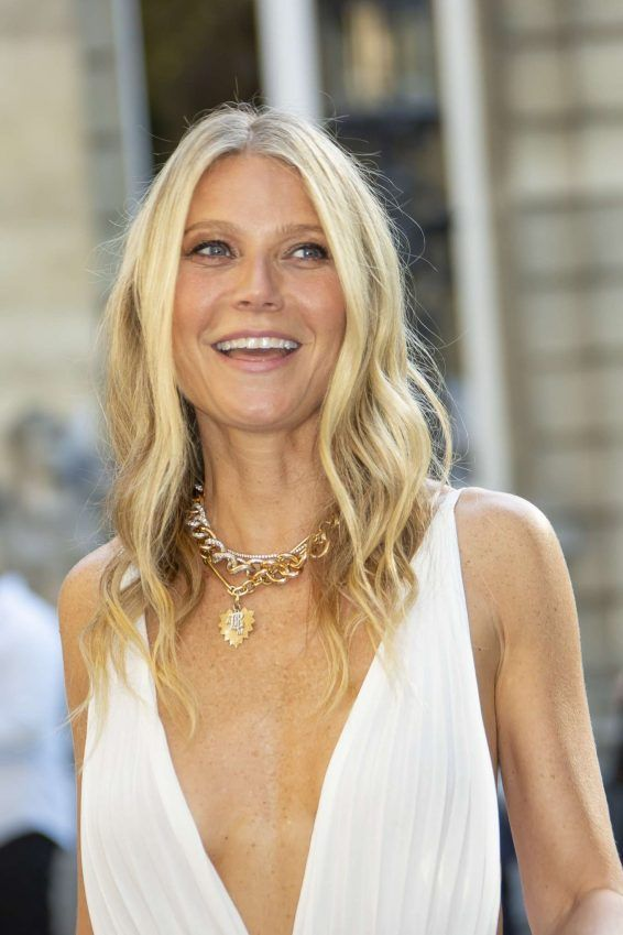 Gwyneth Paltrow - Arrives at Valentino Haute Couture Show-11 | GotCeleb | Gwyneth  paltrow, Couture, Haute