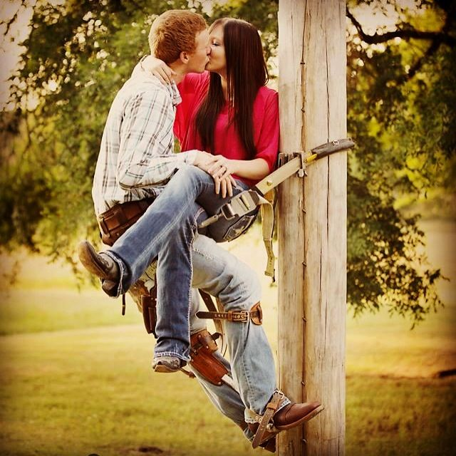 Lineman love....cute picture! Wish I had this pic with my wife............