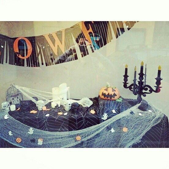 Halloween shop window #PasticceriaSuMisura #Lecco