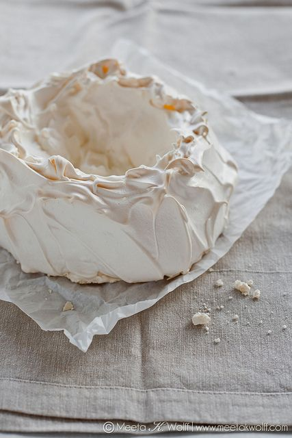 Delicately Pavlova! How would you fill yours? Share your favorite fillings with me (Photo/Styling Meeta K. Wolff)
