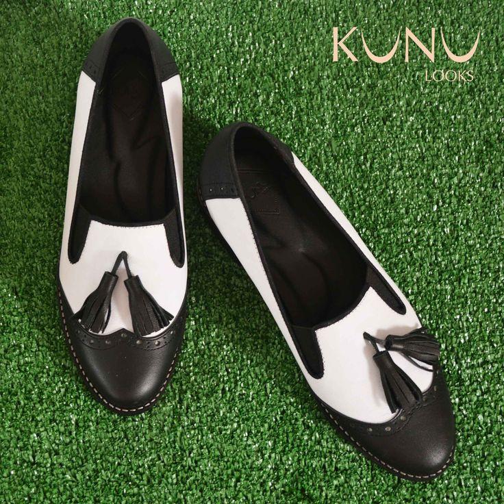 Black & White Leather Oxford Sepatu Kulit, Classic Loafer, tassel on detail, kunu looks
