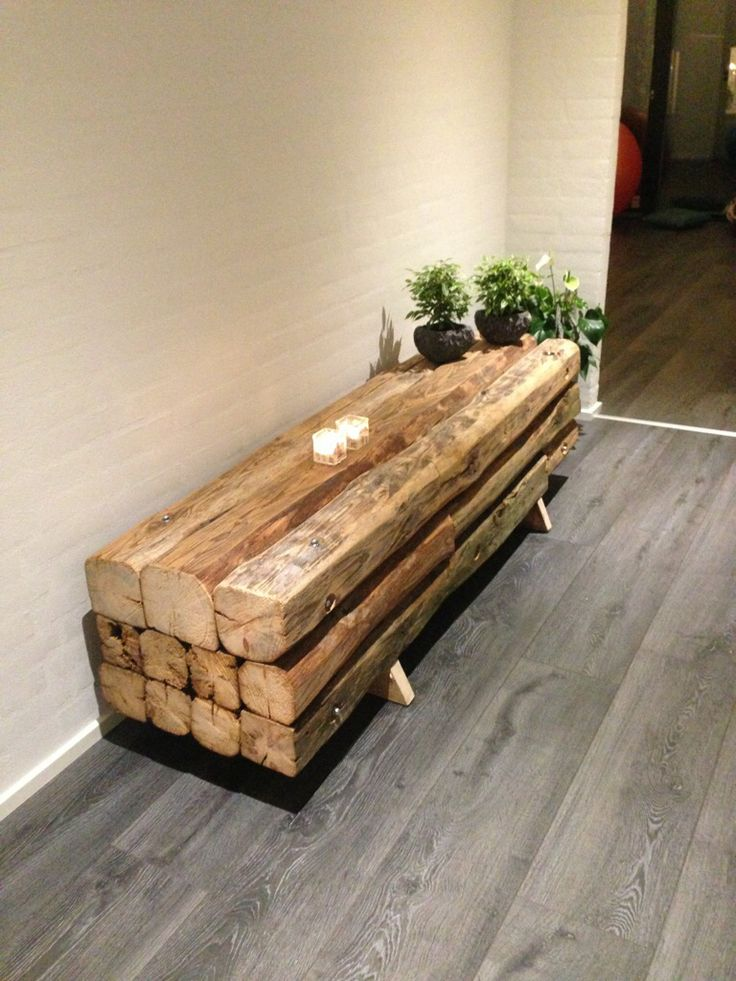 Bench in reclaimed beams made of pine by MUDAHULA