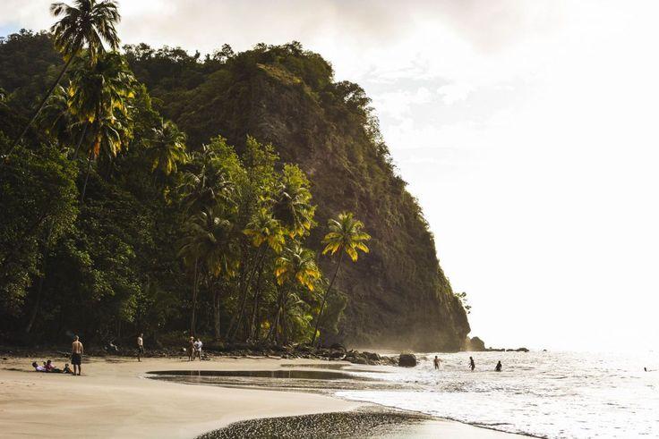 Martinique | L'anse Couleuvre, entre sable noir et coucher de soleil ... - Ti' Piment