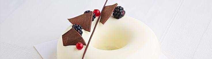 Tort herbaciano-waniliowy z galaretką marakuja-mango - Mistrzowie Wypieków. Dzieło naszego Mistrza - Marcina. #mistrzowiewypiekow #cake #tort #mango #inspiration #bake #trendy #ciasto #wypieki