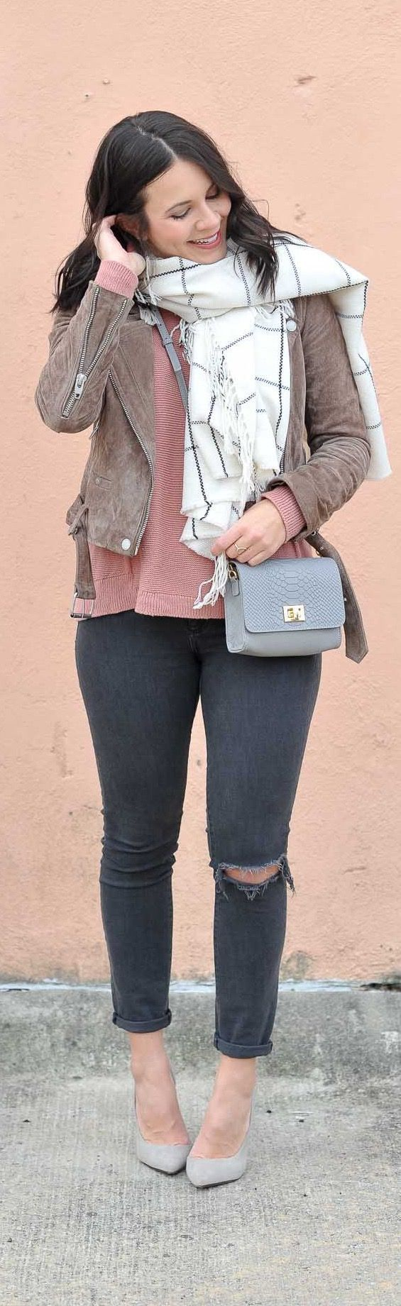 The best fall outfit, womens fashion outfit ideas, blush sweater, scarf, blanket scarf - My Style Vita @mystylevita